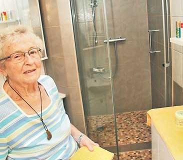 """Altersgerechtes Bad: """"Endlich wieder sicher duschen"""""""